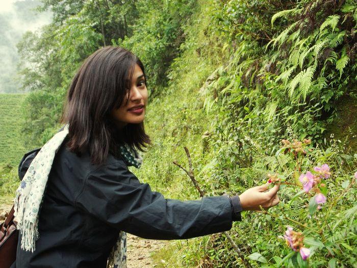 Green Green Green!  Admiring Little Flowers Suddenlyshot