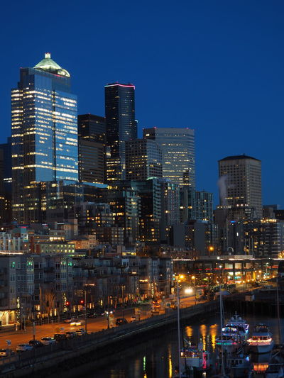 Night in seattle