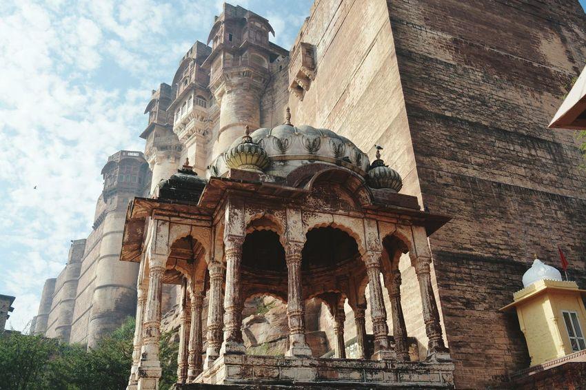 Oo Yeah.. It's huge.. Mehrangarhfort Jodhpur Architecture Exploreindia Old Buildings Huge Travel Travel Photography Focus EyeEm Best Shots