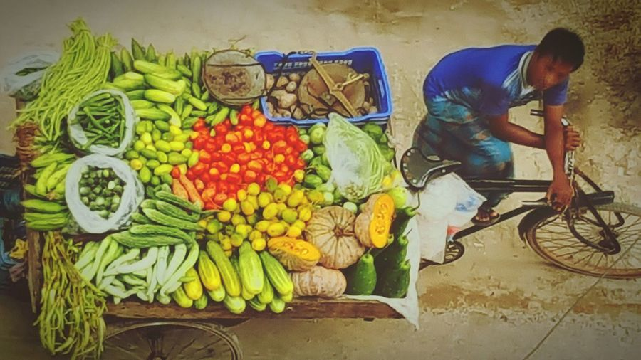 Taking Photos Check This Out Street Vendor Colors Of Vegetables Bangladesh Galaxynote5camera Popular Note5photography The Essence Of Summer