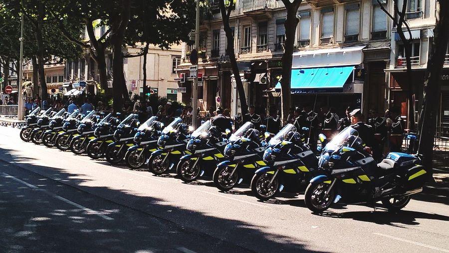 Lyon : Défilé du 14 Juillet dans le quartier chic de Lyon le 6em arrondissement