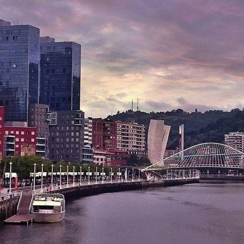 World Trade Center of Bilbao Verybilbao Ilovebilbao Bilbaoclick Bilbao Euskogram Euskorincones Paisvasco Topphotos Euskadigrafias Euskorincones Euskogram Loves_bilbao Bilbaocentro Picoftheday Photooftheday Topphotos