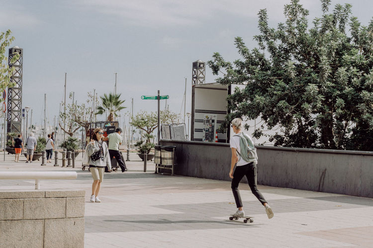 Barcelona City City Life EyeEm Best Shots SPAIN Skateboarding The Street Photographer - 2018 EyeEm Awards The Traveler - 2018 EyeEm Awards Urban Lifestyle Built Structure Casual Clothing Eye4photography  Full Length Leisure Activity Lifestyles Sport Street Photography Streetphotography Teenager Tree Urban Life