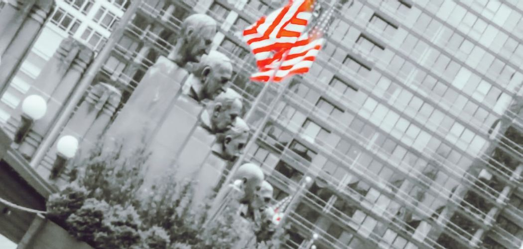 EyeEmNewHere Bust  Statues/sculptures Monuments Angle EyeEm Men American Flag City Eyeemphotography Chicago
