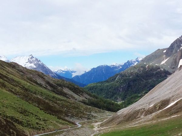 Berge Tal Panorama Landscape_Collection Landscape_photography Sky And Clouds Nature_collection Nature Photography Forcola Pass Horizon Over Land Weather Geography Beauty In Nature Far Tourism Gras  Green