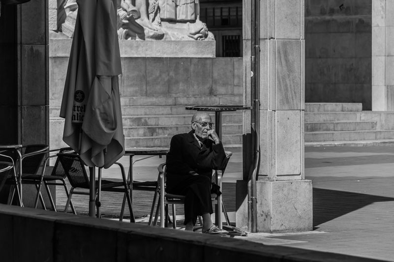 Relaxing Urban Photography Sony A6000 People_bw People Street Photography B&w Urbanscape B&w Photo Street Monochrome Streetphoto_bw People Photography Man Third Age Street Life Pensative Melancholy Melancholic Interesting Interesting Pictures Interesting People Showcase April