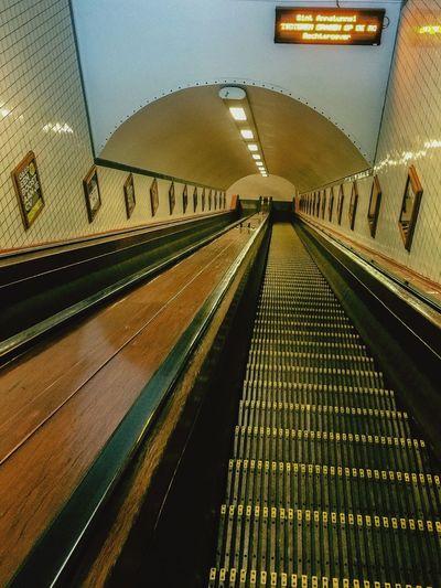 Envision The Future Antwerpen Antwerp, Belgium Escalator Authentic Wood Sint-Annatunnel Led Display Led Board