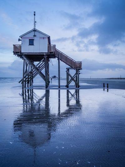 Pfahlbau Sankt Peter-Ording EyeEm Selects Sea Lifeguard Hut Water Beach Lifeguard  Built Structure Horizon Over Water Cloud - Sky First Eyeem Photo