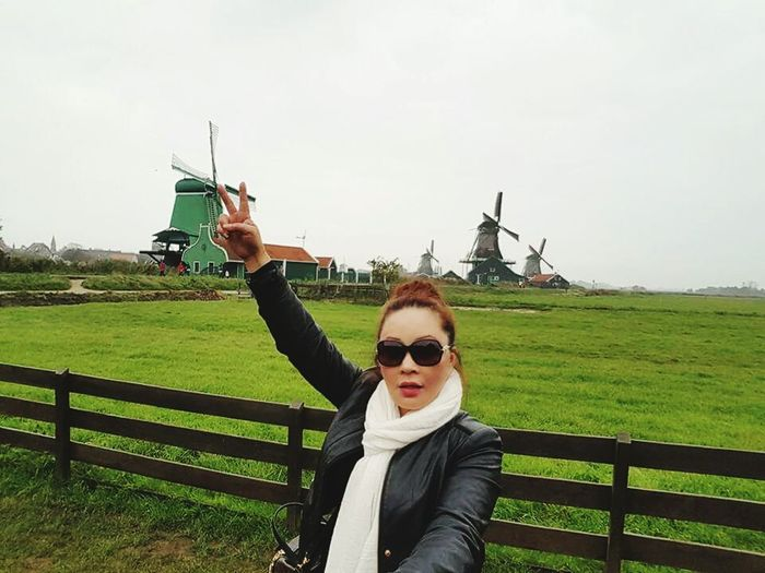 Another I was here picutre for my blog 😁 Travel Photography Holland Zaanse Schans Windmill Hello World Travelingtheworld  Autumn 2015 Enjoying Nature Beautiful Place For My Own Photo Journal Iloveit 😍❤️