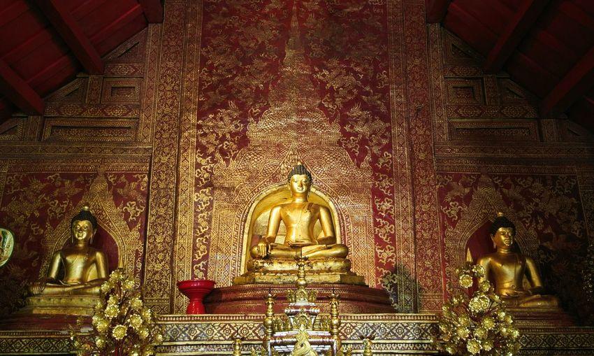 Goldeb Buddha