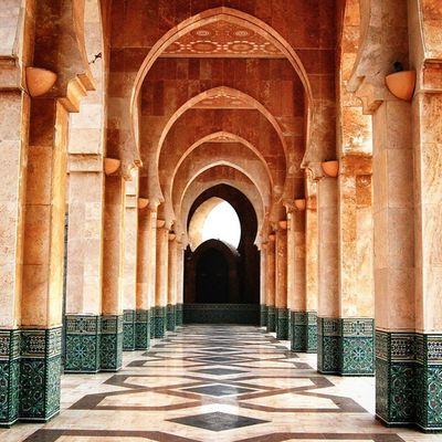 Geometría Whpgeometry Casablanca Morocco Africa Marruecos Mosque mezquita geometry arquitectura archilovers architecture heritage perspective picoftheday pattern arcos