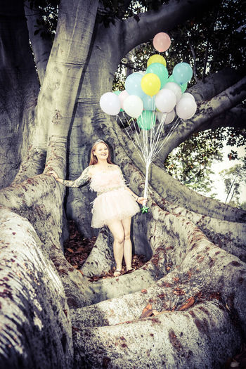 Tree Nature Redhead Tattoo Looking At Camera Beautiful People Pink Feathered Dress Pink Feathers Birthday Celebration Balloon Party - Social Event Tree Of Life