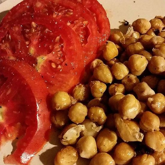 Roasted chickpeas with fresh tomatoes grown at the Staatsburg Garden du Boisson! Gardentomatoes EATGREEN Vegan Veg Vegetarian Glutenfree Yum Eatclean