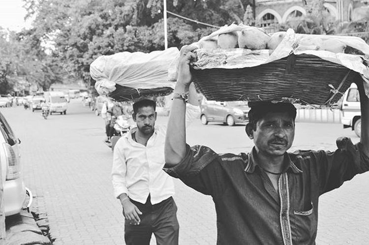Men at work. Menatwork Crawford Market From the Kscope15 Archives Mumbai Marinelines Bombayscenes Streetphotographyindia _soi Itzmumbai Desi Diaries Desi_diaries Coloursofindia Mumbai_uncensored _indiasb _bnwindia Bnw_india Bnw Blackandwhite Desi _indiasb Indiaclicks