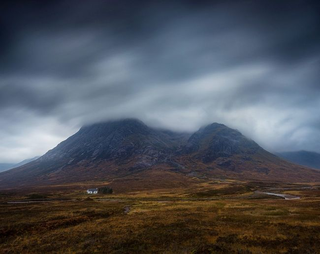 Wee house Glencoe Landscape Dramatic Sky Scenics Mountain Scotland Mountains And Valleys Landscape_photography Travel Destinations Scotland 💕 Nikonphotography