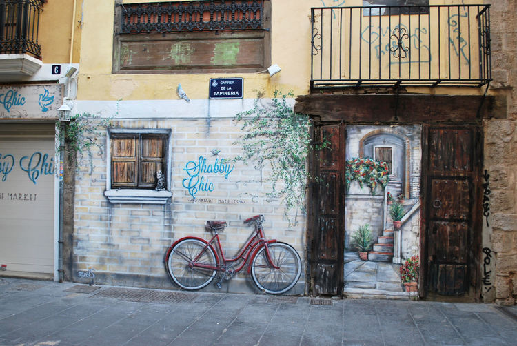 Bicycle Building Exterior City Color Graffiti No People Outdoors Street Art Trompe-l'œil