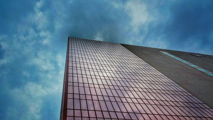 Looking Up Architecture DowntownMPLS Minneapolis Minnesota Urbanscape Cityscapes Urban Landscape Urban Photography Afternoon Blues Urban Geometry Urbanphotography Sky And Clouds Urban Lifestyle Enjoying Life Thrivent Financial Building