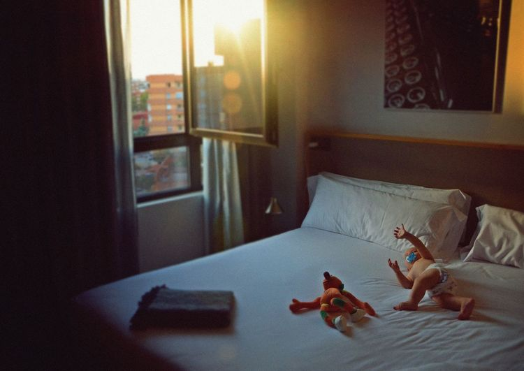 Nikon València SPAIN Little Boy Child Light Baby Valencia, Spain Hello World Bedroom Childhood Window Bed Home Interior