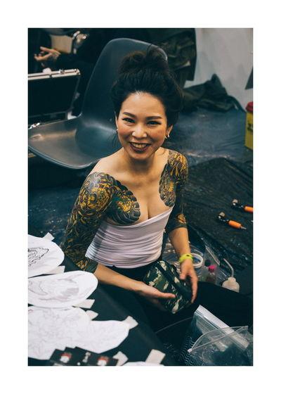 International Tattoo Expo Roma Tattoo Japan Young Women Women Portrait Full Length Beautiful Woman Smiling