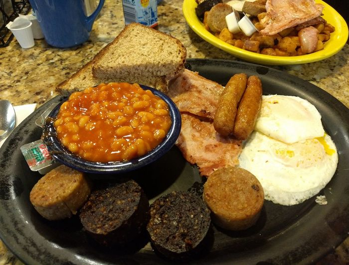 Irish breakfast Breakfast Irish Breakfast Full Breakfast Brown Bread Close-up Food And Drink Prepared Food Served