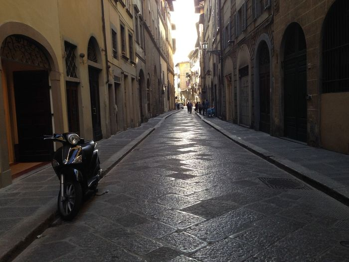 Lonely Bike In Florence The Way Forward Architecture Sunlight Built Structure No People Outdoors Sky Day Bike Narrowstreet