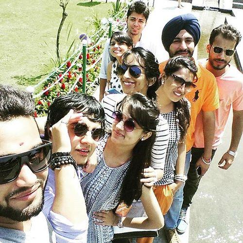 Hellofaselfie ShalimarBagh 9in1 Kashmir Epictime Instaselfie Sunshine