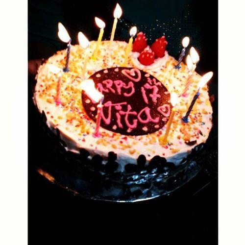 Latepost 130921 Happy sweet17 @katarinalivita !!! Love you ya :){}:* from ce okky,lia,sylvi,kitin