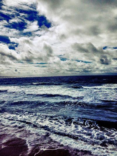 Hello World Wintertime Sea And Sky Taking Photos Enjoying Life Sea Heart Heaven Small In The World