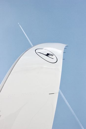 Wings of change Lufthansa Airbus A350 XWB A350 Winglet Wingtip Carbon Fiber The Traveler - 2018 EyeEm Awards Airplane Flying Air Vehicle Vapor Trail Sky Close-up