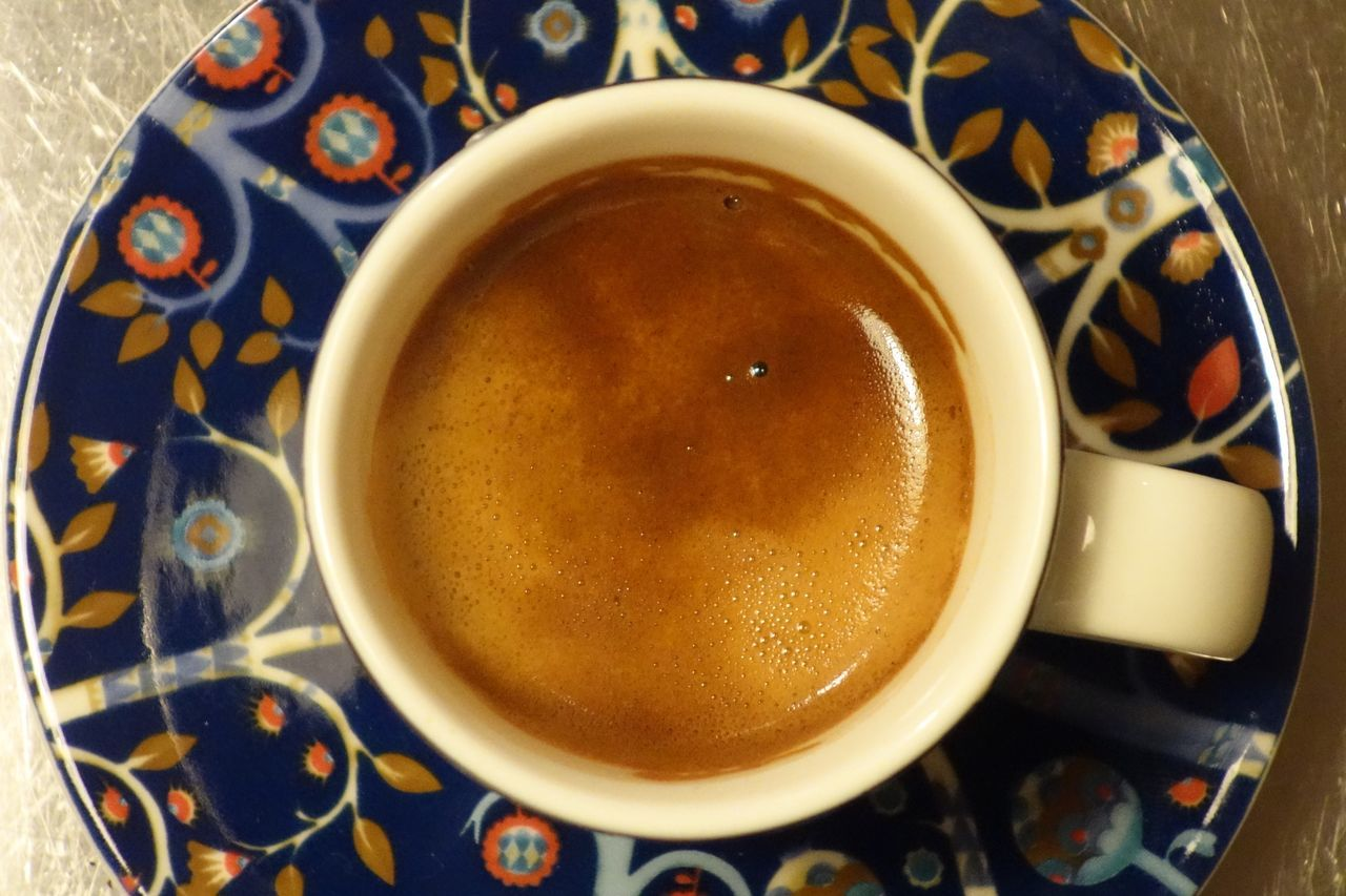 drink, coffee cup, refreshment, coffee - drink, food and drink, cup, saucer, freshness, high angle view, table, frothy drink, beverage, indoors, no people, close-up, directly above, cappuccino, serving size, froth art, food, day