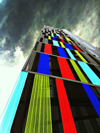 Edifici Avinguda Meridiana (BCN) Sky Colors Building Barcelona Clouds And Sky Minimalism Architecture