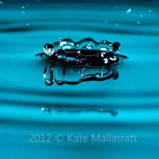 Water Waterdrop Waterdrops Igers Instagood Instadaily Instagrammers Photo365 Photooftheday K8marieuk Suttoninashfield Igersnottingham Blue Canoneos450D Canon Tamron Tamron70300
