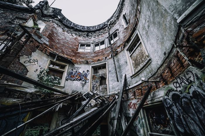 Architecture Built Structure Building Exterior Low Angle View Abandoned No People Day Outdoors City