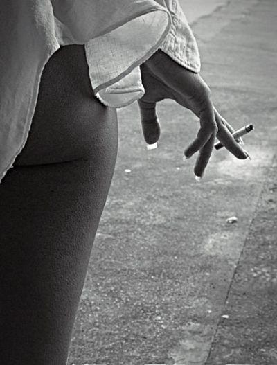 Black And White Hotgirl Sexygirl Beautiful Street Streetphotography Smoke Smoking ~Laura~