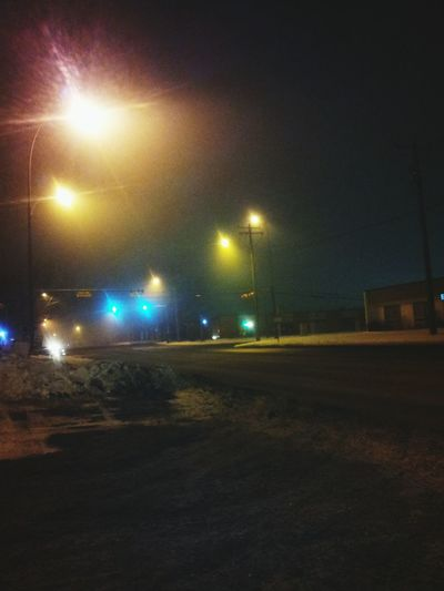 Late night drive.. Foggy and very tranquil. Latenightdrives Foggy Night Check This Out ColdNightOut Nightphotography Tres Cool