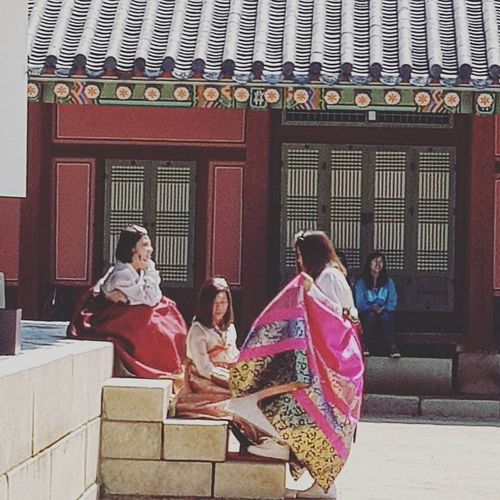 Tripwithson2017 Tripwithsonmay2017 Streetphotography Seoulstreetphotography Gyeongbokgung Palace, Seoul Joseon Dynasty 1392 -1897 Five Centuries Palace Architecture Seoul Architecture Seoul Southkorea