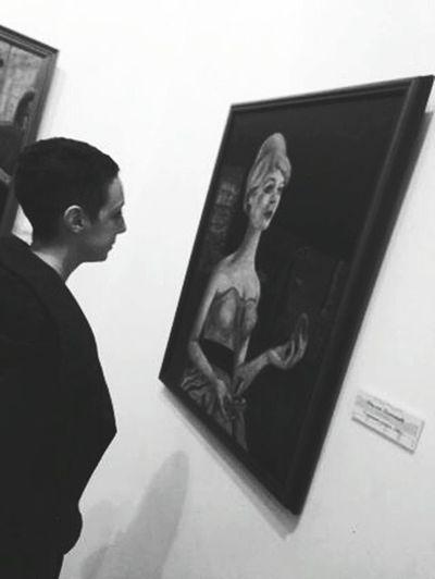 Art Gallery Beautiful Walking Around That's Me ArtWork Watching Omg Love It Lady Class