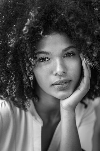 Portrait Curly Hair Headshot One Person Hairstyle Real People Looking At Camera Hair Lifestyles Young Adult Front View Close-up Smiling Leisure Activity Women Adult Young Women Beauty Human Body Part Beautiful Woman Human Face The Portraitist - 2018 EyeEm Awards Woman Woman Who Inspire You Happiness