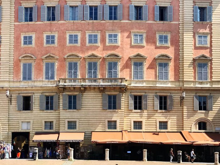 Piazza del Campo Tuscany Vacations Travel Destinations Travel Photography Architecture Building Exterior Window Built Structure City Building Day Sunlight Outdoors Full Frame City Life Façade Backgrounds Luxury