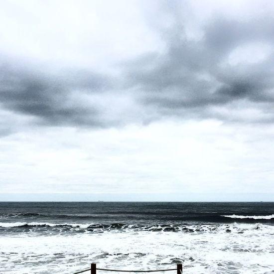 It takes an ocean not to break 🌊 check my instagram @beacteixeira - instagram.com/beacteixeira for more ✨ Eye4photography  Ocean Waves EyeEm Nature Lover EyeEm Gallery EyeEm Best Edits EyeEmBestPics EyeEm Best Shots - Nature EyeEm Best Shots ShotOniPhone6 Blue Wave