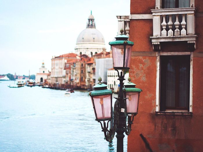 Gas light by building in grand canal