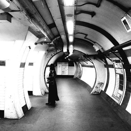 Learn & Shoot: Leading Lines Eye4photography  Underground Blackandwhite Urbanphotography