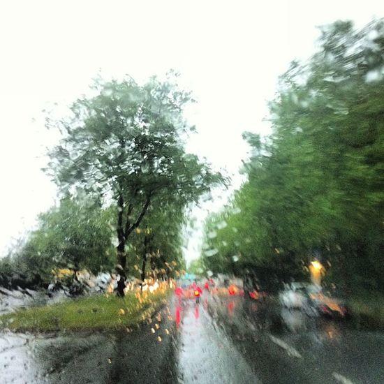 Saatlerdir Berlin yağışlı