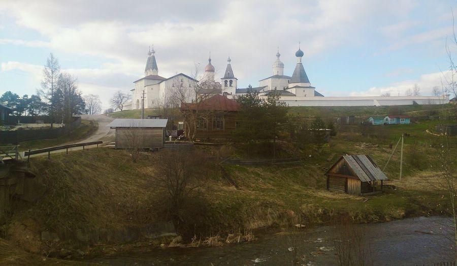 Вид на Ферапонтов монастырь. пейзаж архитектура Церковь Church Architecture Landscape Outdoors Day No People
