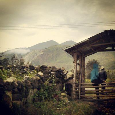 THROUGH THE GATE Oyikk Hepuba Kampunghalaman