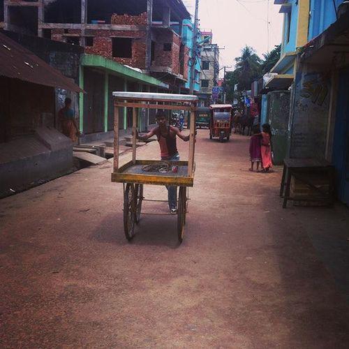 Street ! 16.07.2015 Js Jashimsalam Street People Dailylife Photojournalism Documentary Instagram Chottogram Chittagong Reportagespotlight Everydaybangladesh