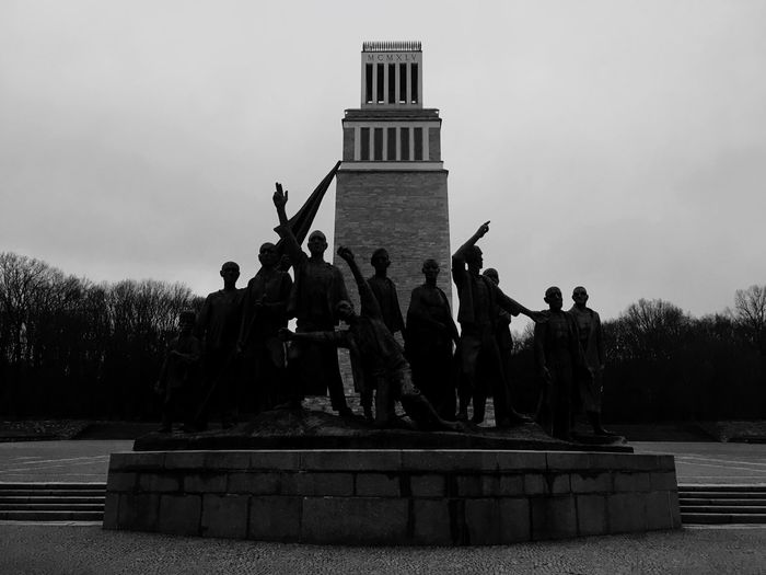 Blackandwhite Weimar Germany Monument Buchenwald Memorial Concentrationcamp Buchenwald Sculpture Statue History Sky Large Group Of People Memorial Building Exterior Outdoors Architecture Men Built Structure Day Real People Weapon Politics And Government People