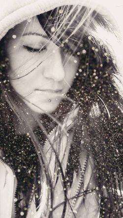 VSCO Vscocam Girl Black And White Blackandwhite Tinsel  Wind