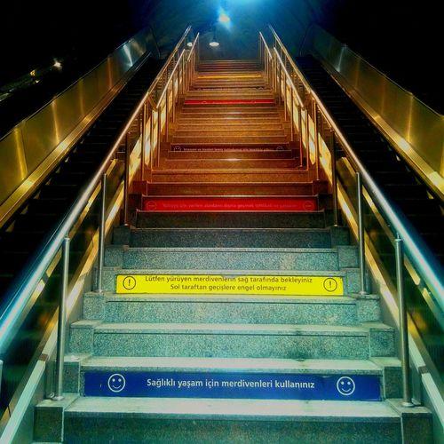 Notes From The Underground Public Transportation Commuting Empty Places Merdivenler Basamaklar Yürüyenmerdiven Yeraltı Learn & Shoot: Leading Lines Beautiful Organized