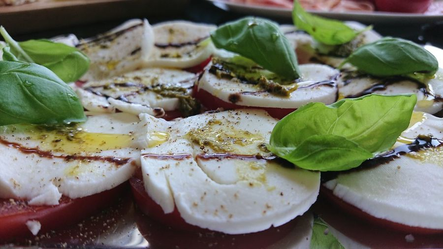 Food Food And Drink Tomato Basil Oil Olive Oil Mozzarella Eating Healthy Eating Healthy Lifestyle Salt Pepper Leaf Close-up Food And Drink Cooking Oil Garlic Oregano Prepared Food Mediterranean Food Pesto Sauce Cherry Tomato